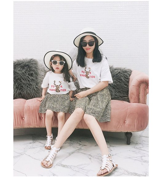 0daa68e40 2019 Summer new kids reindeer letter printed T-shirt girls boys round  collar short sleeve cotton tees mommy and me matching outfits F5597