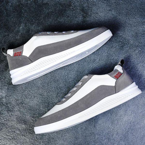 Sneaker gros Souliers simple d'homme Femmes Triple Noir Pas Cher Hot Runner Entraîneur extérieur FOURGONS Chaussures Casual 40-44