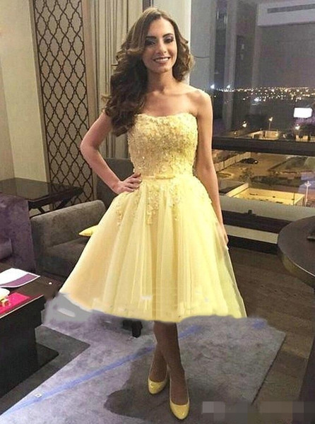 2019 Yellow Short Prom Dresses Knee Length Tulle Lace Applique Beaded Sweetheart Neckline Ribbon Cocktail Party Ball Gown Custom Made