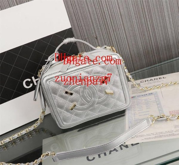 2019 brand Cosmetic bag mini bags High quality Silver beautiful shoulder bag Chain Clutch Ladies fashion bag