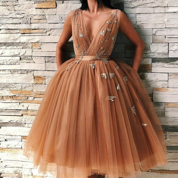 Dark Chamapgen Pretty Tutu Evening Dresses Deep V-neck Delicate Appliques Evening Gowns Plus Size Formal Dress