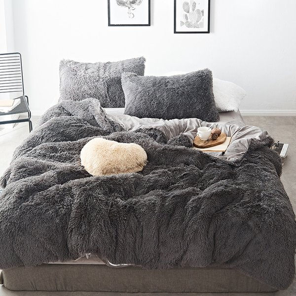 2019 New Long hair Fleece bedding set 5pcs/set (duvet cover+flat sheet+2 pillowcase+1 cushion) flannel winter warm bed linen set