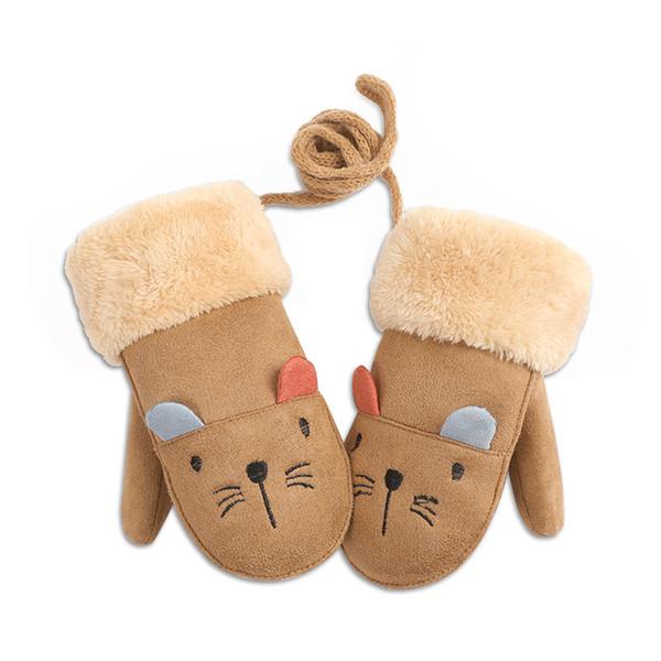 El collar de gamuza de los guantes de invierno para niños se refiere al calentar y el paquete para hombres y mujeres se refiere a la venta al por mayor de dibujos animados coreanos