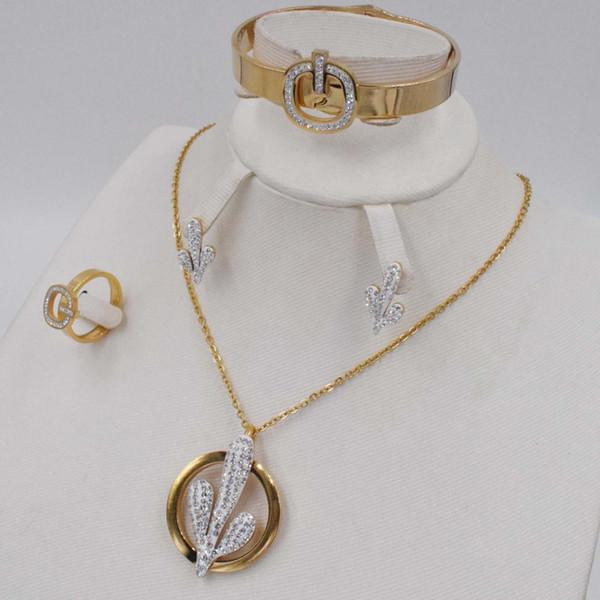 Комплекты ювелирных изделий способа дубаи цвета золота Кристалл ожерелье серьги браслет кольцо Установить Rhinestone Новый простой платье партии для женщин