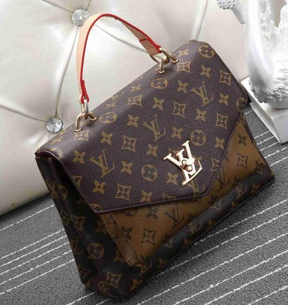 2019 new letter bee shoulder bag, gold metal letter spring lock handbag, adjustable shoulder strap messenger bag, with zipper free post
