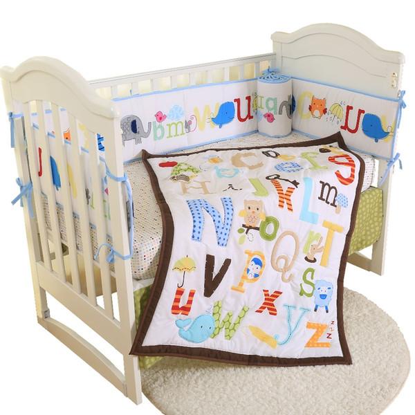 Cama de algodão respirável macia ajustada do fundamento do berço de bebê para crianças que inclui o amortecedor da saia da folha da edredão