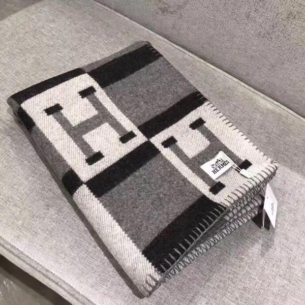 noir nouvelle couverture de conception