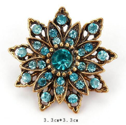 2019 New Branded Vintage Gold Color Plated Crystal Rhinestones Flower Antique Brooch Pins for Women in Assorted