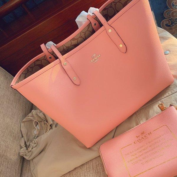 Розовый (30 * 28см)
