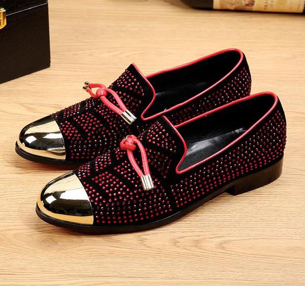 Costume de luxe en cuir de loisirs pour hommes en cuir noir chaussures de mariage chaussures de mariage glands d'or hommes pantoufles nx18.
