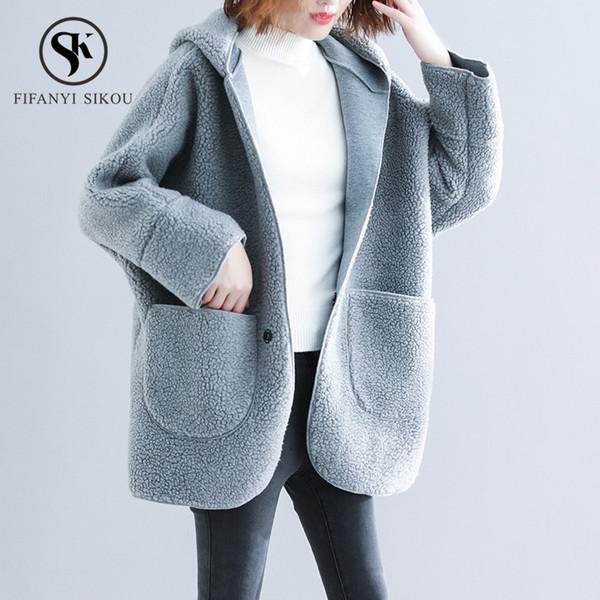 Großhandel Winter Warme Lammwolle Jacke Frauen Mit Kapuze Mantel Mode Große Tasche Lose Lammwolle Jacken Damen Dicken Mantel Plus Größe Oberbekleidung