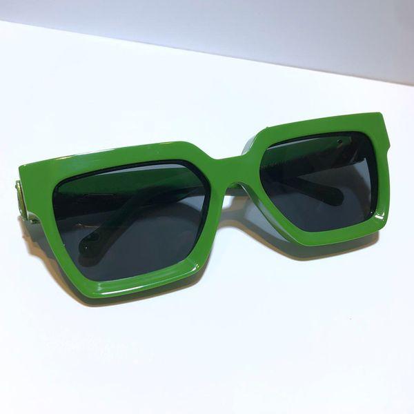 lente cinza verde