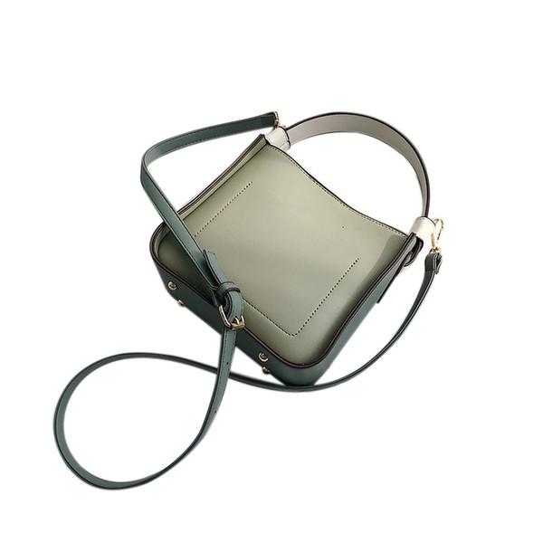 Fashion Large Capacity Bucket Shoulder Bag Women Crossbody Bag Female All-Match Large Capacity Pu Leather Handbag