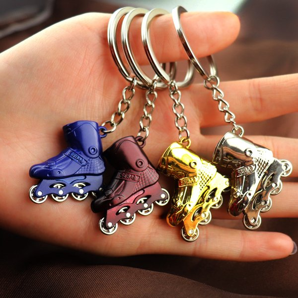 Can Be Rotated Mini Roller Skating Shoes Keychain Silver Gold Metal Roller Car Key Ring Travel Souvenirs Gift
