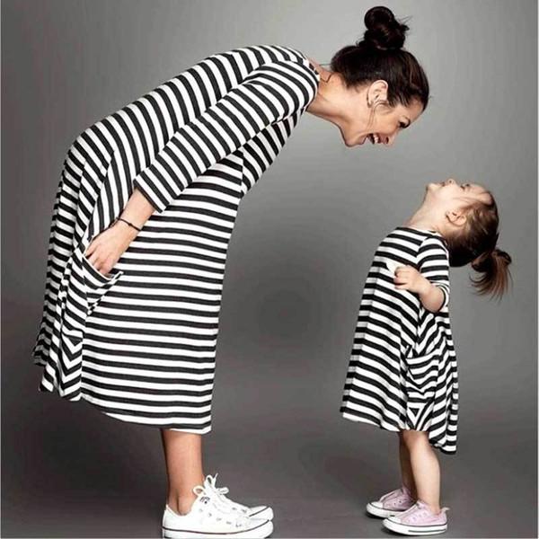 Maman Et Moi Famille Correspondant Mère Fille Robes Vêtements Rayé Maman Robe Enfants Enfant Tenues Maman Grand Sœur Bébé Fille Y19051103