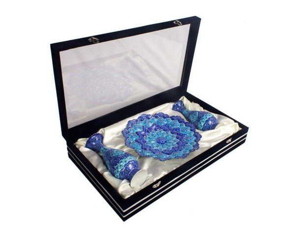 Traditional handmade dinner sets , cultural and antique dinner plate + vases in Gift suede coated gif box