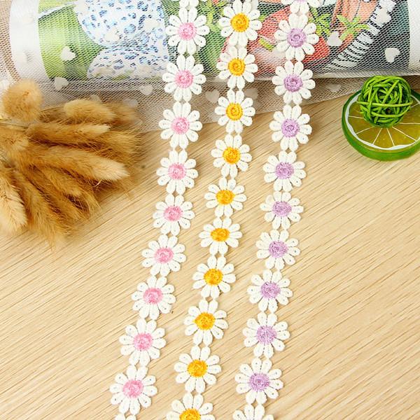 Meetee Largeur 2.5cm broderie 10petals Daisy dentelle pour robe décoration Vêtements et accessoires de bricolage Artisanat Dentelle AP2201