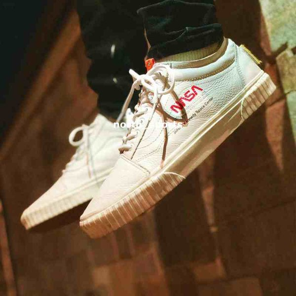 2019 New NASA Space Voyager Old Skool True White Orange Canvas Designer Shoes Fashion Women Mens Casual Sneakers 35 44 Racing Shoes Good Running Shoes