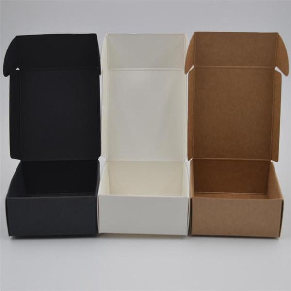 20Pcs / set beyaz / siyah Kraft Kağıt Şeker Kutusu Düğün Hediye kutular Bebek Doğum Günü Partisi Noel Packaging Malzemeleri Yana