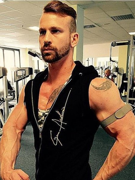 b5108f02 Muscularity Christmas Mens Sleeveless Bodybuilding Fitness Vest Hoodie  Sweatshirts Clothing Hombre Muscle Tank Tops Q190522