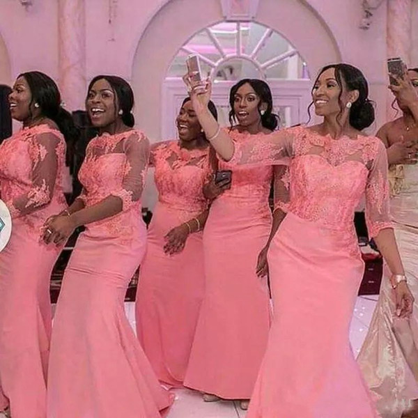 Frühling 2019 Stil Afrikanische Brautjungfernkleider Coral Color Illusion Ausschnitt und Halblange Ärmel Meerjungfrau Lange Formale Hochzeitsgast Kleid