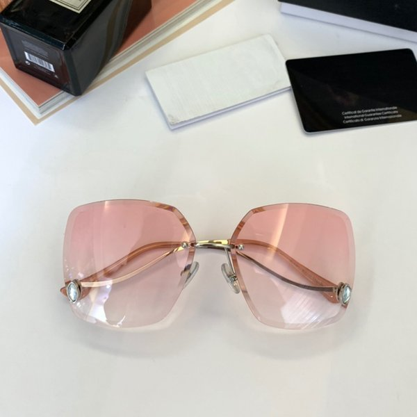 Wholesale-Arrival Fashion Luxury Designer Ladies Sunglasses Outdoor Casual Sports Aviator Vintage Makeup Decorative Awesome Womens Glasses