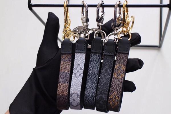 2019 Chaude Populaire Designer De Mode Célèbre Hommes À La Main En Cuir De Voiture Porte-clés Femmes Sac Charme Pendentif Accessoires avec boîte d'origine