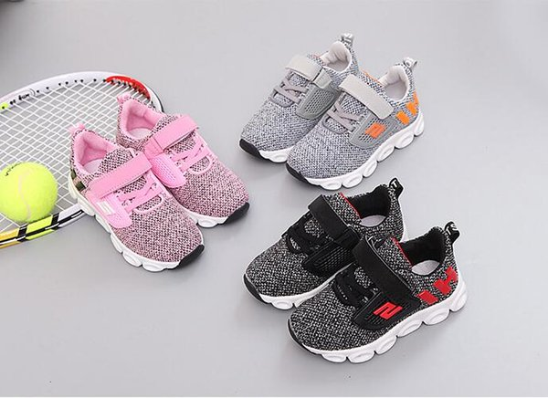 New 2019 Baby Boys Girls LED lights Sneakers Kids Athletic Outdoor Shoes Children's light knit mesh sports shoes slip light running shoes