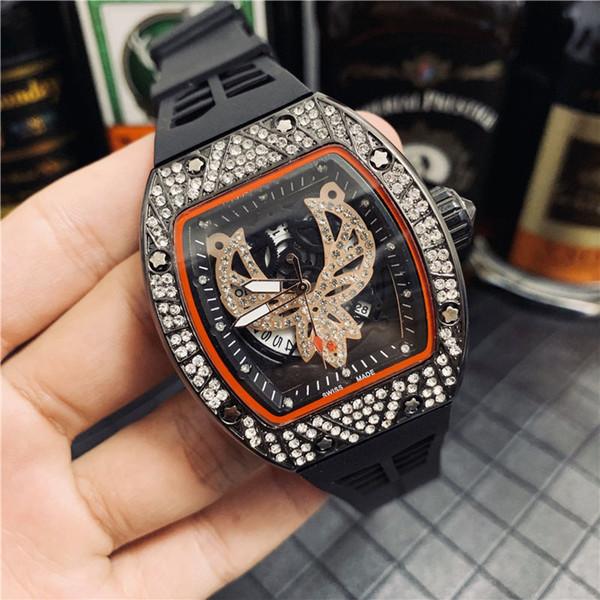 Nouveau 2019 Design Célèbre Mode Hommes Montre En Caoutchouc Or Argent Acier inoxydable Haute Qualité Homme Quartz montres Homme Montre-Bracelet Horloge de travail