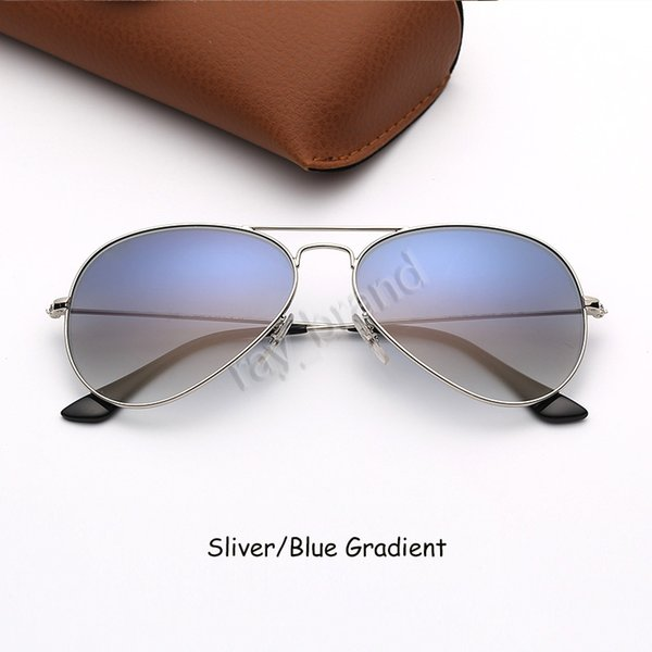 Sliver-Blau Gradient