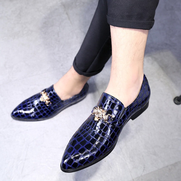 Crocodile pattern fashion men's tide shoes hair stylist nightclub pointed men's shoes 2019 spring new shoes