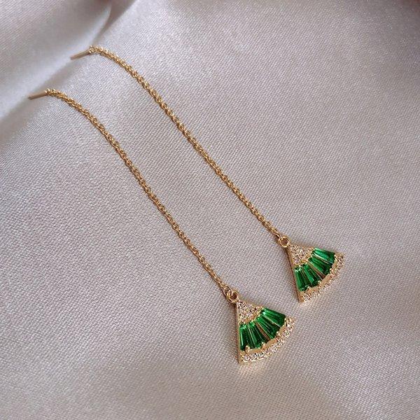 Серебряная игла. Зеленый Кристалл уха Thread