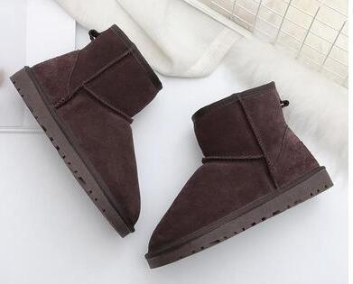 new shipping Explosion models snow boots women's shoes winter 2019 new one pedal short tube cotton shoes thickening plus velvet bread shoes