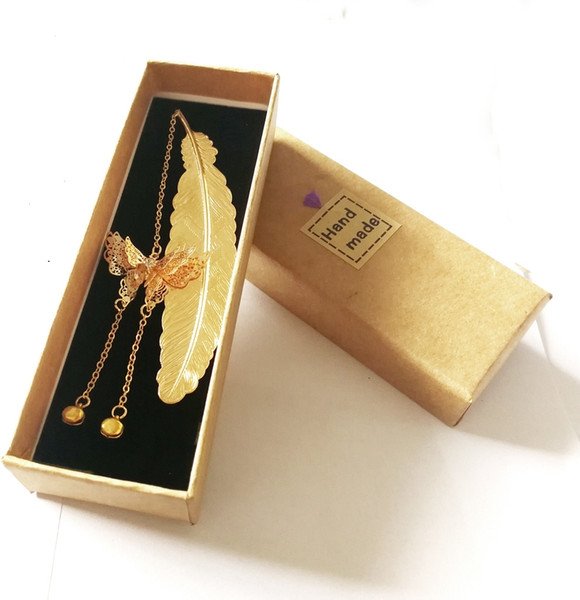 top popular Bookmark copper metal feather golden gift box love unique gold and silvery lucky charm guest favor pendant with tassel 2021