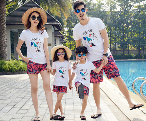 Family Matching Outfits Mother Father Boy Girl Dad And Son Mom Clothing T-Shirts Short Pants Family Set