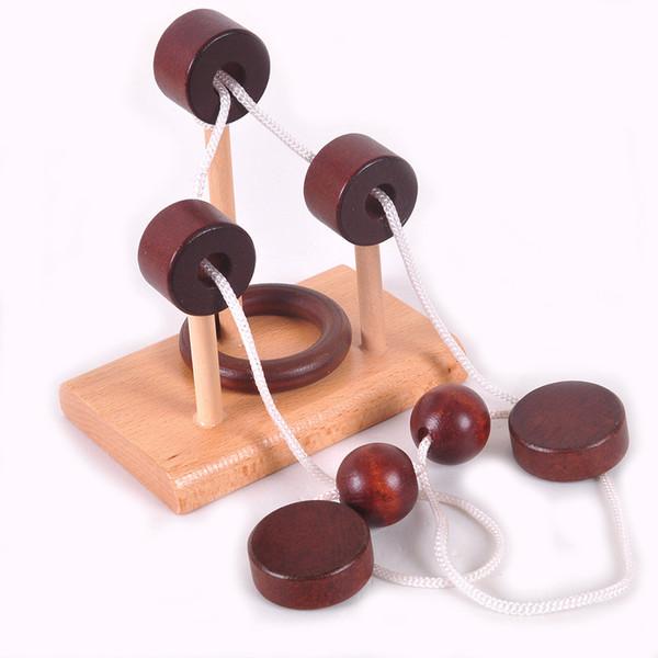 Puzzle di legno giocattolo di topologia giocattolo 3D Intelligent Loop Puzzle Kong Ming Lock Stringing Unlock Svelare la corda Regali giocattoli per i bambini