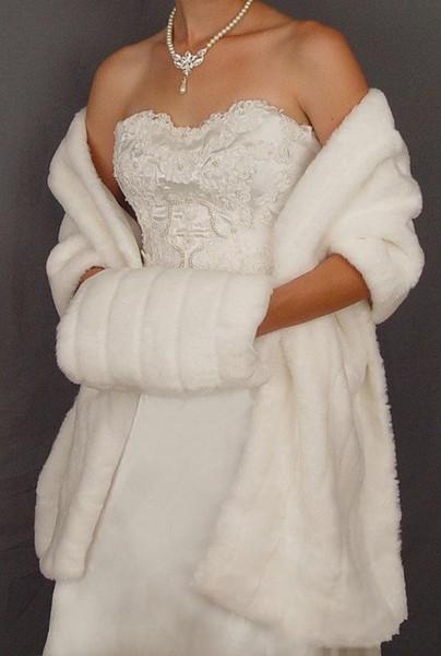 2019 Novo Inverno Em Estoque Quente Branco Marfim Faux Casaco De Peles De Casamento Wraps De Noiva Mais Quente Mulheres Xale Capes Com Muffs Acessórios Frete grátis