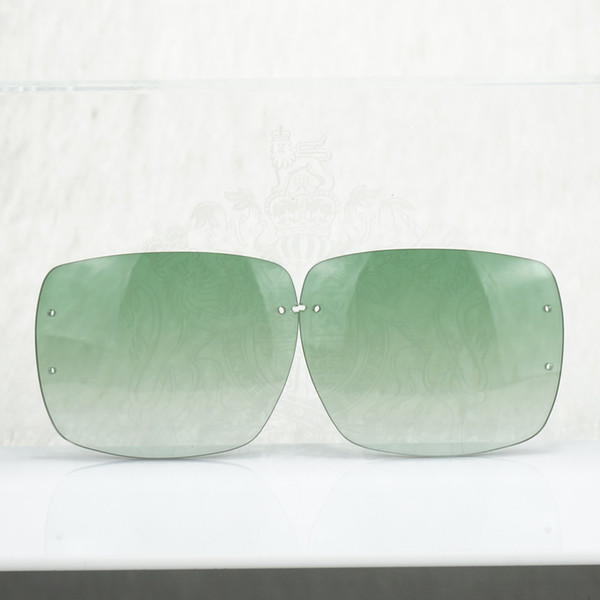Lentille verte carrée