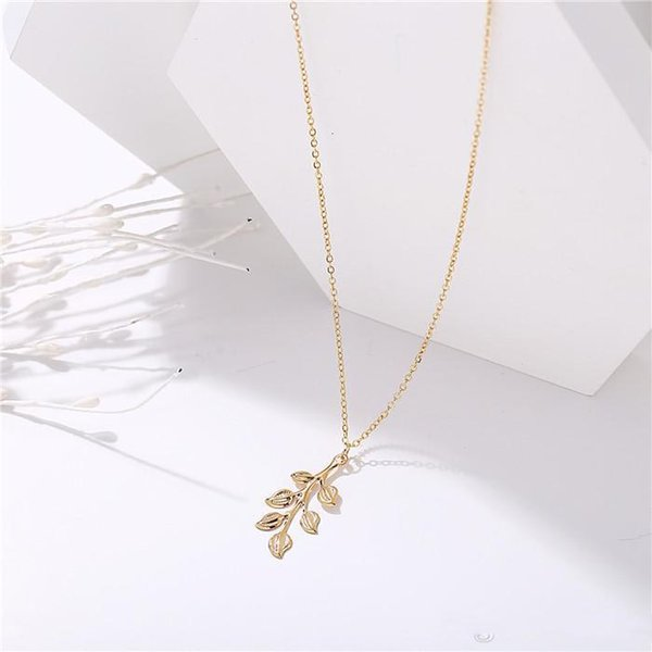 Designer Long pendant necklace Hip Pop Individuality Alloy Material Pendants for Women Birthday New Year Gift Drop Shipping