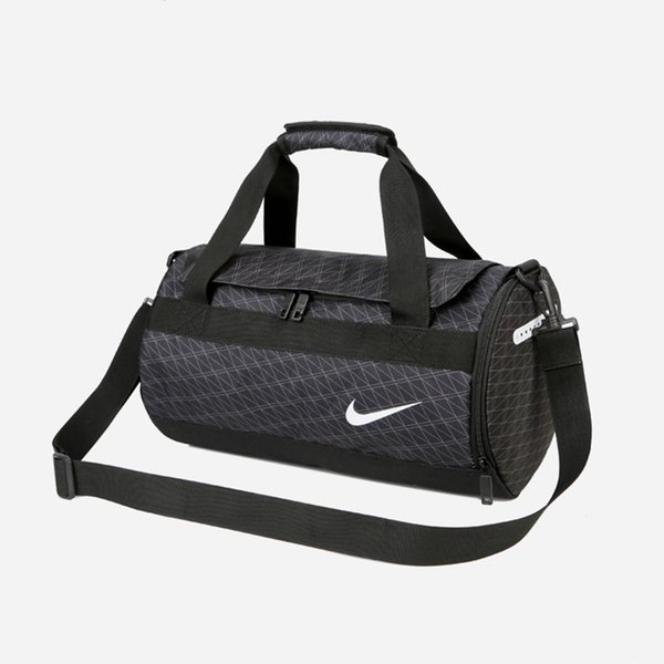 Fashion Unisex Luxury Shoulder Bag Womens Mens Cross Body Brand Handbag Traveling Gym Bag Waterproof Casual Sport Style SQ B104253Z