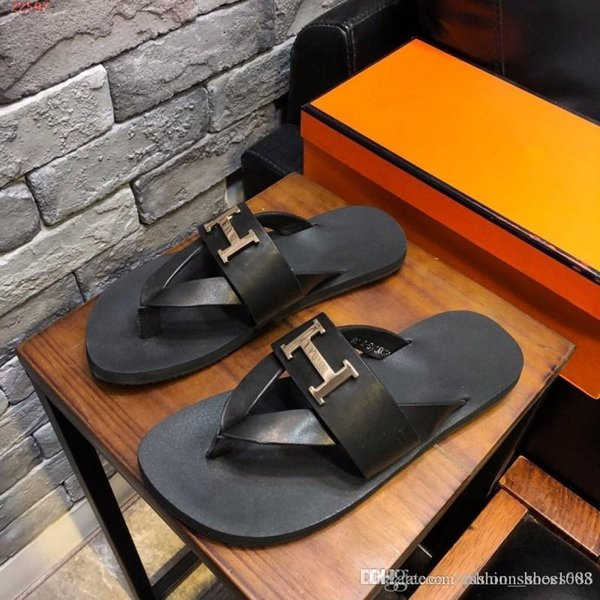 Fashion casual trend men slippers With flip-flops Summer beach leather Comfortable and lightweight Male slippers Size 38-44