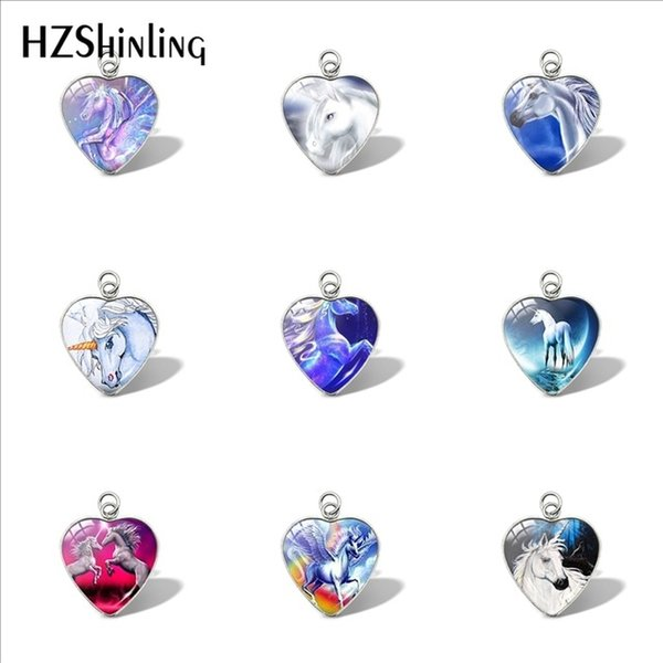 2019 New Horse In Fog Heart Pendant Running Horse Pendants Car Ladies Glass Dome Jewelry Wallet Charms