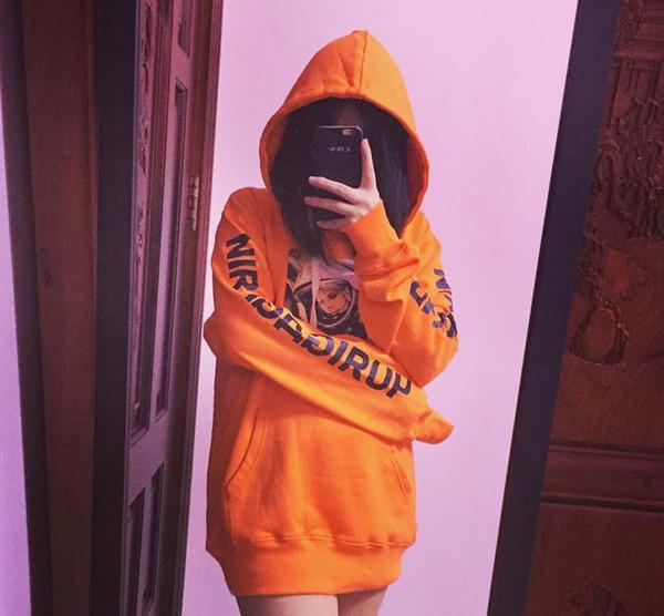 Diseñador para mujer Sudaderas con capucha Astronauta Impreso diseñador de manga larga Sudaderas Tops Hiphop Street Casual flojo suéteres