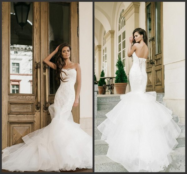 2019 New Mermaid Wedding Dresses Strapless Neckline Appliques Trumpet Bridal Gowns Sweep Train Lace-up Back Tiered Country Wedding Dress