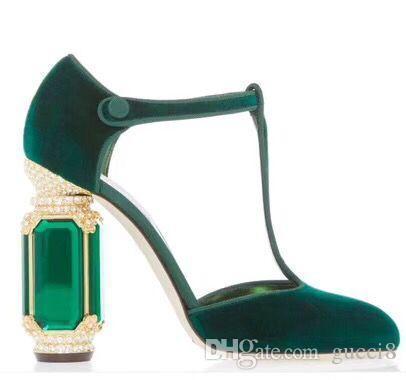Court Prom Party Escarpins Haute Qualité Designers Lady Velvet Robe Chaussures Cristal Strass Talon Femme Talon Haut Mariée Escarpins