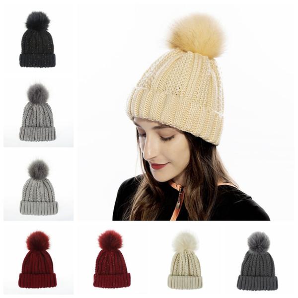 Мода Женщина Knit Beanie Hat Зима мягкая Pom Pom Бал Вязание Cap Lady Открытый Теплый Лыжный Шляпы Девушка партии Caps TA1857