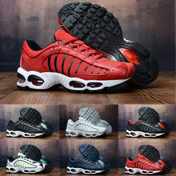 2019 Yeni Tasarımcı Hava TN Artı sneaker Erkek Koşu Ayakkabıları spor erkekler için Moda Siyah Beyaz Rahat Sneakers Koşu boyutu 40-45