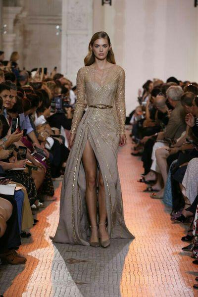 Vestido de noite Ziad nakad Yousef aljasm Ouro Cristal A-Line Dividir manga comprida Zuhair murad 2018 Kim Kardashian Kylie Jenner 54