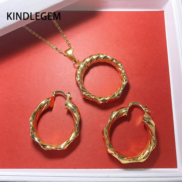 2019 Hot Charms Dubai Italy 3 Tones Jewelry Set Fashion Gold 750 Earrings Necklace Pendant For Women High Quality Vacuum Plating