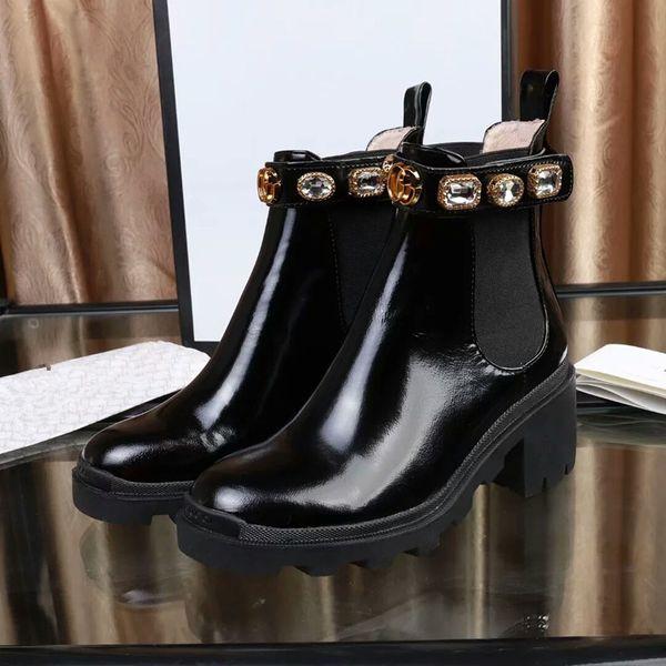 Новые Кожаные женские туфли на шнуровке Пряжки ленточные сапоги фабричные прямые женские шероховатый каблук с круглой головкой осень зима Martin Boots